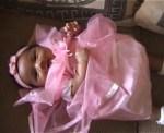 Baju pink di beli Namboru Michael