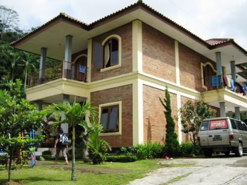 Villa Yustisia - Cilember Puncak, Bogor
